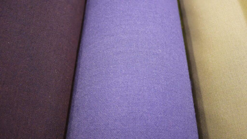 www.skumhuset.dk kvadrat metervarer uld hynder skumgummi koldskum madrasser specialmål systue møbelstof møbeluld