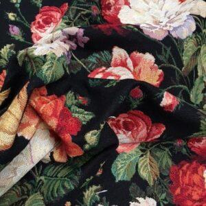 Møbelstof med mønster af roser