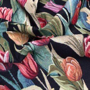 Møbelstof med klassisk mønster af tulipaner