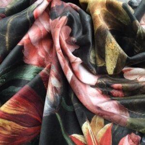 Mønstret velour med blandede blomster