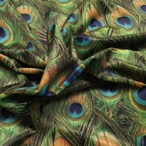 Mønstret velour med påfuglefjer fra Skumhuset.