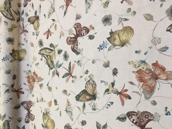 Tekstildug med sommerfugle fra Skumhuset