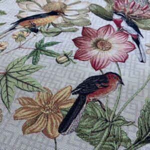 Gobelin med fugle og vilde blomster